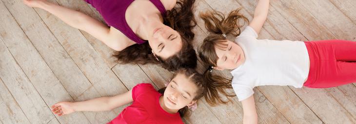 yoga para niños y familias
